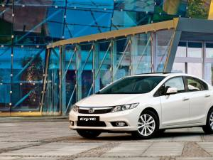 Honda Civic Sedan vrea să atragă clienții modelelor Jetta și Elantra