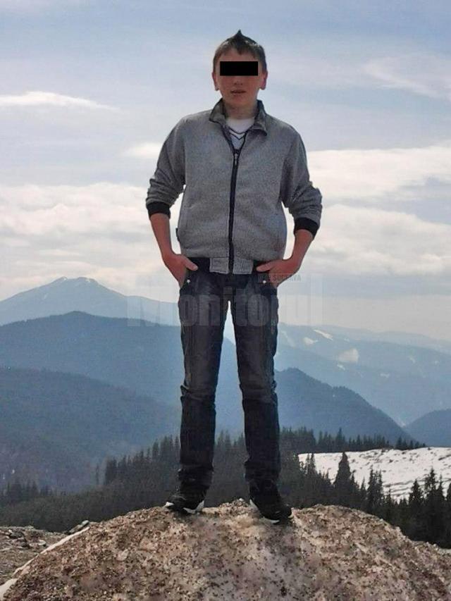 Tânărul ucis avea 17 ani şi era elev la un liceu din municipiul Câmpulung Moldovenesc