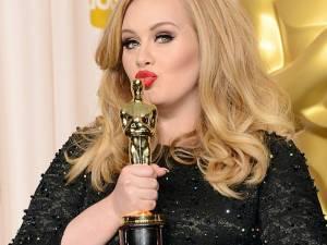 Adele, invitată să cânte la petrecerea de Revelion organizată de Roman Abramovici