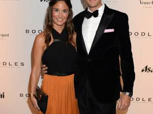 Pippa Middleton, sora ducesei de Cambridge, s-a logodit