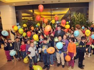 82 de copii de la Şcoala Specială din Gura Humorului au primit daruri din partea  Clubului Rotary Suceava - Bucovina