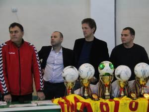 Gică Popescu a fost, fără îndoială, punctul de atracţie al Cupei Moş Crăciun din acest an de la Suceava