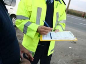 Dosar penal pentru un mopedist băut şi fără permis