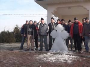 Tradiţia crucilor de gheaţă de la Bosanci din ziua de Bobotează a fost respectată şi în acest an