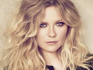 Kirsten Dunst, noua imagine a brandului de îngrijire a părului L'Oreal Professionnel