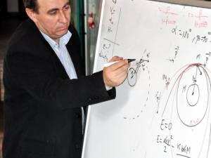 Prof. dr. Petru Crăciun, coordonatorul lotului olimpic al României de Astronomie şi Astrofizică