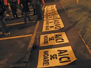 """Prezenţă numeroasă la protestul de la """"Zidul Morţii"""""""