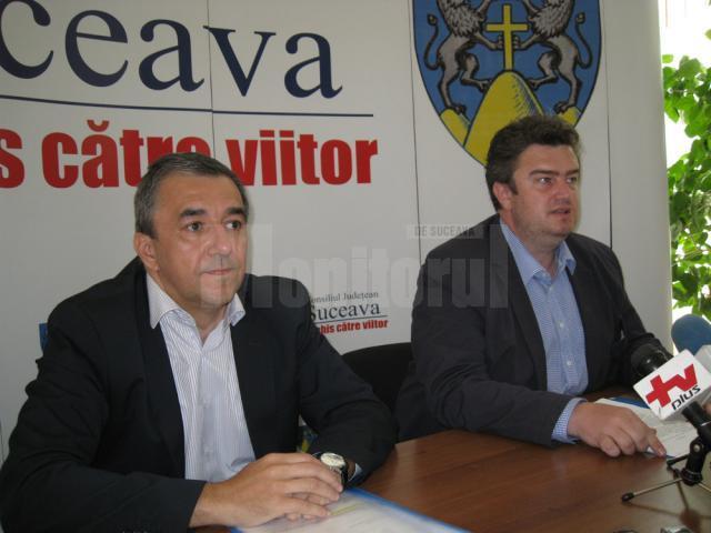 Prefectul Florin Sinescu şi preşedintele Consiliului Judeţean Suceava, Cătălin Nechifor