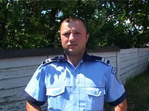 Agentul Cristi Tabarcea doreşte, se pare, să se transfere la Secţia de Poliţie Burdujeni