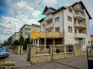Fiul unui patron de restaurant din Burdujeni, acuzat că a violat o fată de 18 ani în localul tatălui său