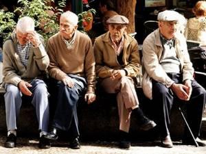 Aproape 5.000 de pensionari vor primi pensii majorate de la începutul acestui an