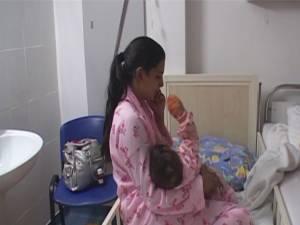 Fetiţă a fost adusă cu ambulanţa la spital, având toate cele zece degete de la mâini mutilate