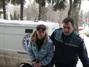 Ilie Daniel Eminovici a fost trimis în judecată de procurorii Parchetului de pe lângă Judecătoria Suceava pentru un furt comis în noaptea de Revelion