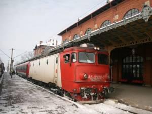 Întârzieri mari ale trenurilor pe ruta Bucureşti - Suceava şi retur