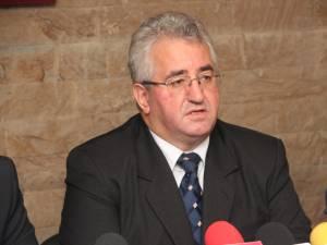 Ion Lungu a declarat că dintre cei opt prefecţi de Suceava cu care a avut de-a face, cu Florin Sinescu are cea mai bună colaborare