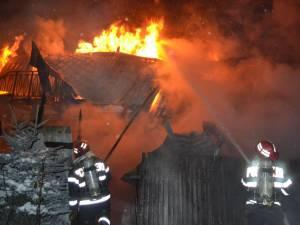 Primul incendiu violent a fost cel de la vila familiei care deţine pensiunea Bogdăneasa de la Gura Humorului