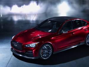 Infiniti Q50 Eau Rouge va da naștere unui sedan de performanță