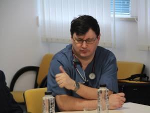 Dr. Tiberius Brădăţan: S-au deblocat fondurile pentru prima lună. Furnizorii de medicamente ştiu cam care e necesarul şi ar trebui să aibă medicamentele pregătite pentru a ni le furniza