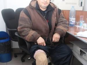 Ioan Ghimiş are nevoie de 350 de lei pentru a-şi repara proteza