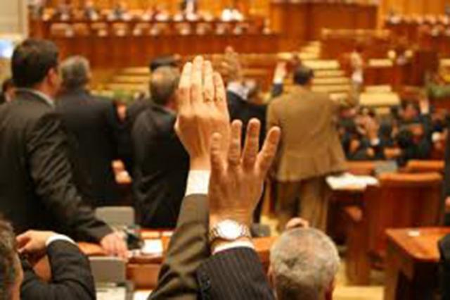 Parlamentul a votat în majoritate al treilea Guvern Ponta
