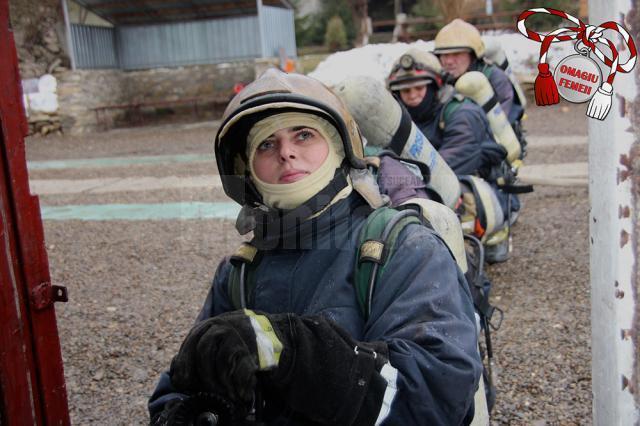 Simona Cojocar: Cu curaj, ambiţie şi pregătire adecvată şi o femeie poate fi pompier