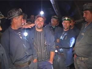 Minerii blocaţi in subteran