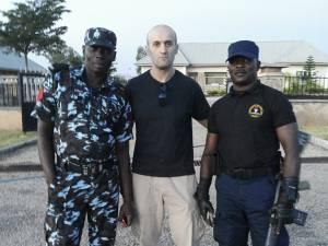 Ovidiu, alături de soldaţi nigerieni