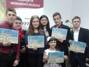 """O parte dintre câştigătorii concursului """"Tinere talente"""""""