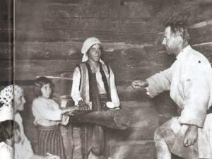 Aspecte din viaţa rurală a comunei, în jurul anului 1928 Foto: Historia