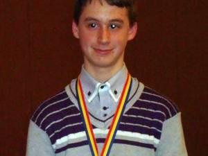 Nicolae Andronic-Gorcea a câştigat premiul I la Naţionala de Biologie