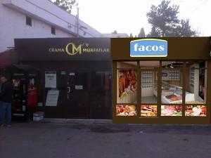 Magazinul FACOS este situat pe aleea principală de acces spre Piața Mică și are program zilnic, între orele 7 şi 18