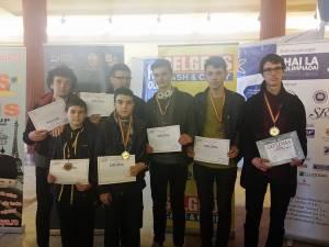 Şapte elevi s-au întors cu premii de la Olimpiada Naţională de Fizică