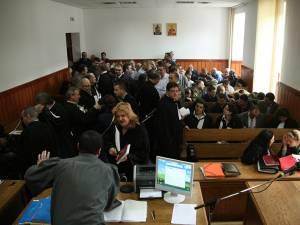 """Curtea de Apel Suceava i-a găsit vinovaţi şi i-a condamnat pe toţi cei 66 de poliţişti de frontieră şi vameşi judecaţi în dosarul """"Şpagă în Vama Siret"""""""