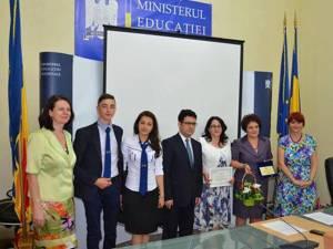 """Ministrul Educaţiei, Remus Pricopie, alături de delegaţia Colegiului """"Mihai Băcescu"""""""