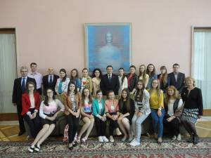 Lotul naţional al olimpicilor din România a fost alcătuit din 18 elevi