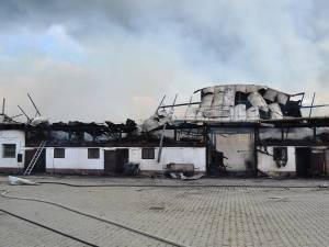 Clădirea în care se afla ferma a fost puternic afectată de incendiu