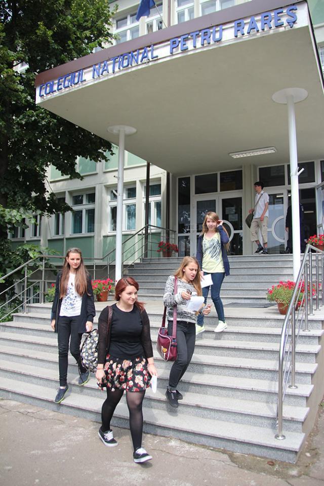 """Colegiul Naţional """"Petru Rareş"""" Suceava, cel mai bine clasată instituţie în ceea ce priveşte liceele care organizează ciclu gimnazial"""