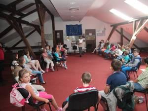 Cursurile de bune maniere au debutat săptămâna trecută, primul seminar adunând peste 30 de copii