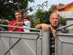 Tatăl şi bunicul micuţului, Daniel şi Vasile  Havriştiuc