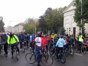 Bicicliştii suceveni vor să anunţe că sunt şi ei în traficul din municipiul Suceava