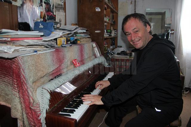 Lian Cubleşan, artistul sucevean care înfruntă leucemia prin muzică
