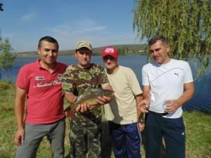 Câştigătorii Cupei Jandarmeriei la pescuit s-au desemnat după şase ore de îndemânare şi noroc