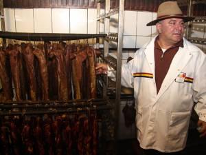 Suceveanul Ioan Baciu Ţăran este singurul producător tradiţional care a obţinut atestat în baza noului ordin 724/2014