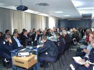 Partea teoretica a exerciţiului s-a desfăşurat joi, la sediul ISU Suceava