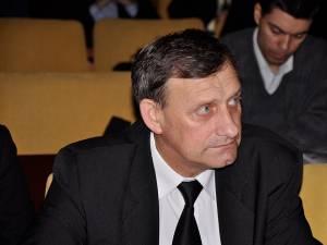 """Romeo Butnariu: """"S-a constatat, de asemenea, că nu întotdeauna se asigură o instruire adecvată în domeniul securităţii şi sănătăţii, consemnată în fişa de instruire individuală"""". Foto: www.radiotop.ro"""