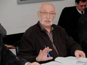 Dr. Mihai Creţeanu, membru al Fundaţiei Române a Inimii şi al Clubului Rotary Suceava-Bucovina, îi invită pe suceveni la cros