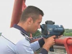 pistolul radar intra de astazi in dotarea politistilor de la Rutiera
