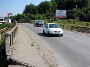 Podul peste pârâul Şcheia trebuie reparat de urgenţă, înainte de intrarea în iarnă