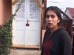 Iuliana Burduja, mama copilului, nu a sunat la ambulanţă pentru că nu a ştiut numărul de telefon