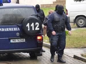 Persoanele suspectate că i-au oferit mită comisarului-şef Nelu Fediuc sunt audiate zilele acestea de procurorii DNA